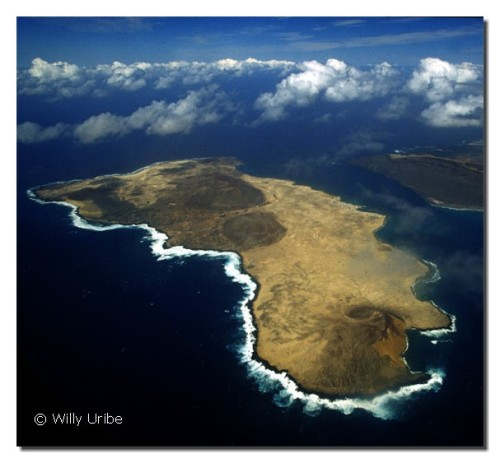 Vista aérea de La Graciosa. Islas Canarias. WU PHOTO © Willy Uribe