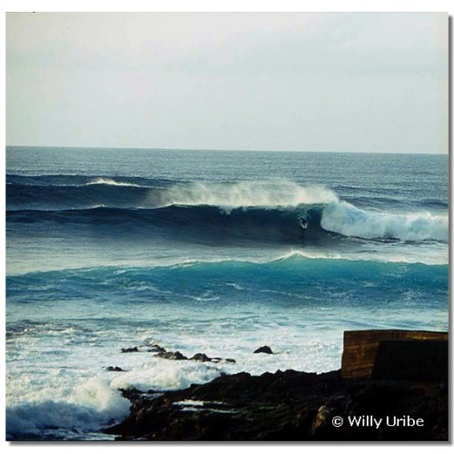 Surf en Tenerife. Islas Canarias. WU PHOTO © Willy Uribe