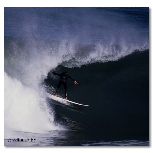 David Bustamante. Mundaka. Surf. Basque Country. WU PHOTO © Willy Uribe