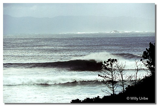 Big surf. Costa da Morte. Galicia. WU PHOTO © Willy Uribe