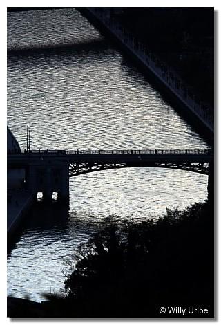 Ría y puente de Deusto. Bilbao. WU PHOTO © Willy Uribe