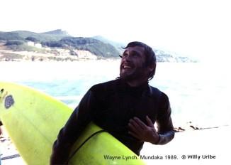 Mr. Wayne Lynch poco después de salir del agua. Era Octubre del año 1989. Una mañana soleada, mucha gente en la atalaia y el mar bombeando sin parar.