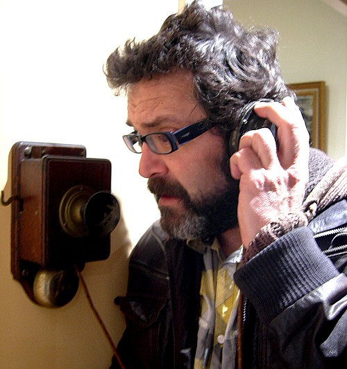 Phone call, by Willy Uribe