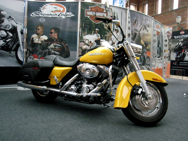Harley-Davidson FLHRC ROAD KING CUSTOM. 1584 cc.
