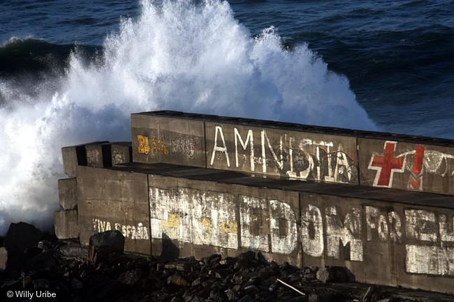 1977 - 2011. Los años perdidos. Pintadas. Dique de La Galea. Getxo. Euskadi. Foto © Willy Uribe