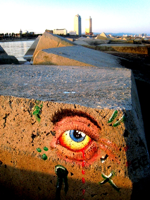 El ojo de la Barceloneta. Barcelona. Marzo 2012. WU PHOTO © Willy Uribe