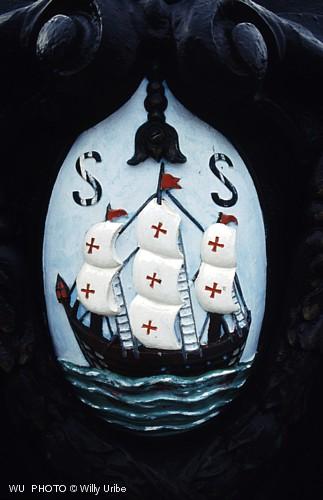 Escudo de Donostia San sebastián. Camino de Santiago en Euskadi. WU PHOTO © Willy Uribe