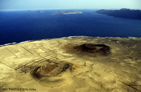 Costa norte de Lanzarote. Islas Canarias. Fotografía aérea © WU PHOTO Archivo fotográfico Willy Uribe