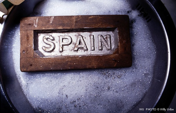 Spain in the sink. WU PHOTO © Willy Uribe