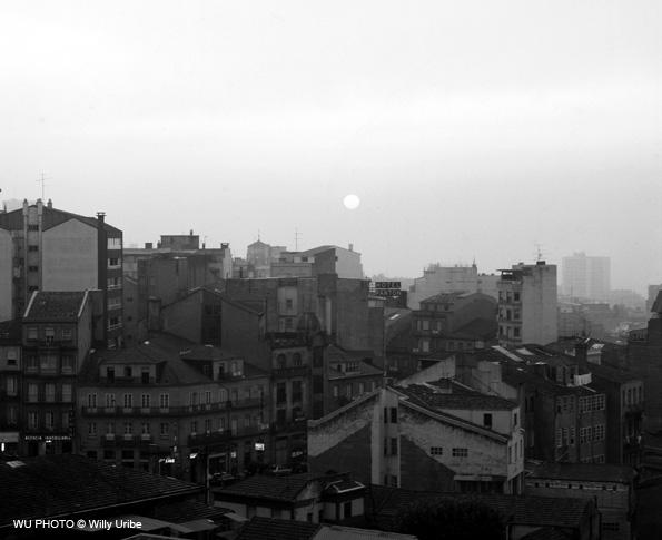 Edificios en Vigo. Galicia. WU PHOTO © Willy Uribe