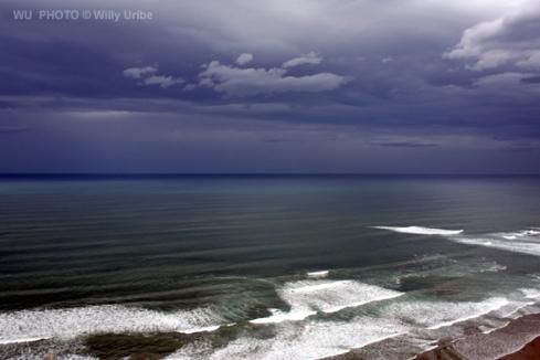 Nacimiento y muerte de una ola. surf, waves, ocean, surfing