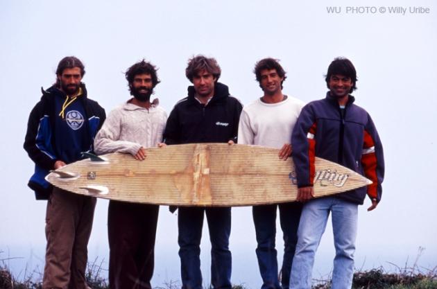 Locales de Meñakoz, Bizkaia. Década de los 90. Historia del surf en España
