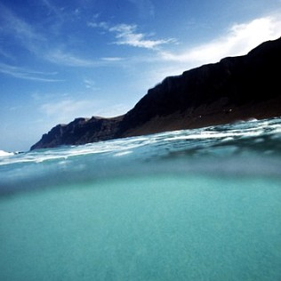 Risco de Famara. Lanzarote. Canary Islands. WU PHOTO © Willy Uribe Archivo Fotográfico Reportajes