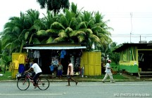 Street scene. Bocas del Toro. Panama. WU PHOTO © Willy Uribe