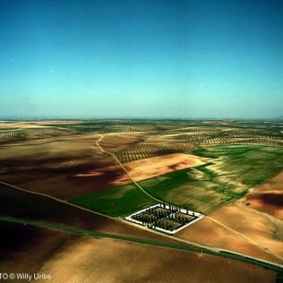 Cementerio en Tierra de Barros. Extremadura. WU PHOTO © Willy Uribe