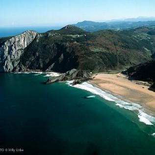 Laga. Urdaibai. Basque Country. WU PHOTO © Willy Uribe Archivo fotográfico Reportajes