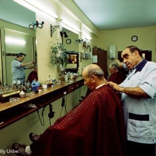Peluquería de caballeros. Donostia - San Sebastián. Basque Country. WU PHOTO © Willy Uribe Archivo fotográfico Reportajes