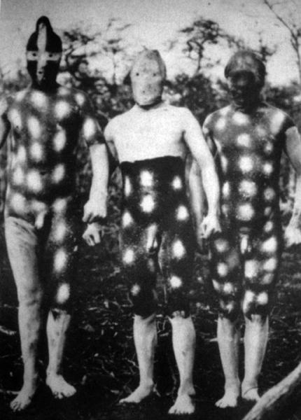 La Gran Ceremonia del Hain. Indios Selk'nam. Tierra del Fuego. 1923. Photography: Martin Gusinde