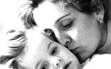 Madre e hija. 1984. WU PHOTO © Willy Uribe