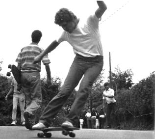 Willy Uribe. Skate. Algorta, Getxo, 1985. Foto Juanjo Ribero.