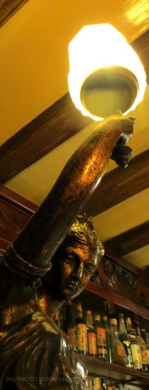 La Musa de Casa Almirall. Barcelona. Tengo Sitio Libre. Willy Uribe.