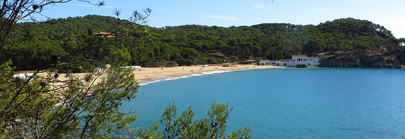 Playa de Castell. Girona. Costa Brava. WU PHOTO © Willy Uribe