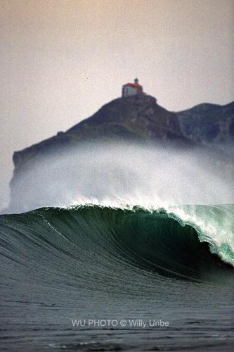La Surfclopedia. Bakio. Bizkaia. WU PHOTO © Willy Uribe