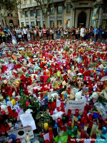 Homenaje a las víctimas. Las Ramblas. Barcelona. Agosto 2017